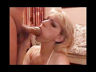 Hot blonde mom milf mommy sexy hot housewife is sucking the hell out of dad