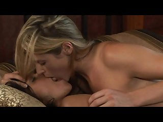 Stories kiss sex Lesbian first