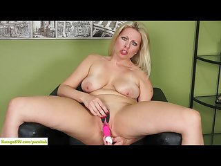 Karupsow zoey tyler stuffs pussy with pink toy