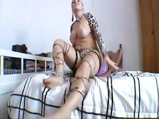 Cibelle mancinni lesbian Facesitting 1