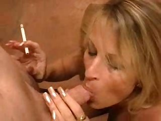 Mom smoking bj