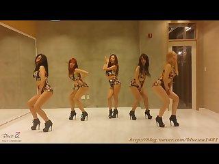Sexy kpop dancing