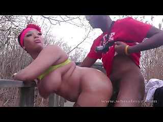 Outdoors doggy banging for the chubby ebony chick