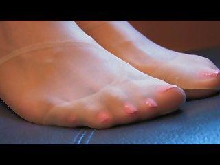 Kristal s pantyhose feet