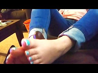 Sexy baby blue toes give daddy quick footjob
