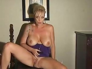 Hard core smoking fetish milf goddess loves her wickedly sexy addiction