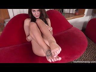 Cutie jojo licks her sexy feet