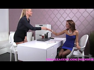 Femaleagent blonde sexy boss teaches agent the art of seduction
