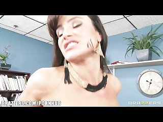 Big tit brunette milf lisa ann decides to settle out of court