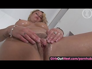 Girls out west blonde amateur washes her hairy pussy