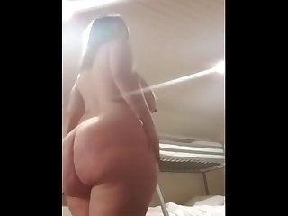 Big booty Voluptuous mal malloy in a sexy strip tease