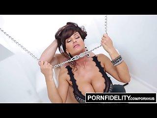 Pornfidelity hardcore milf lisa ann in rough bondage fucking