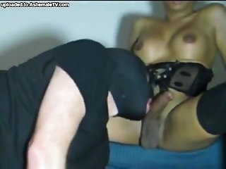 Dominant black tranny gets her dick sucked