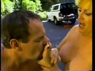 Fuking horny mature pussy while sniffing worshipping her hot smelly soles
