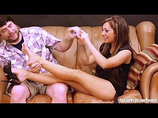 Footjob virgin pretty girl gets her feet licked