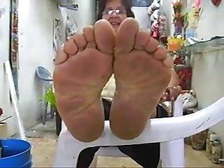 Granny wrinkled soles