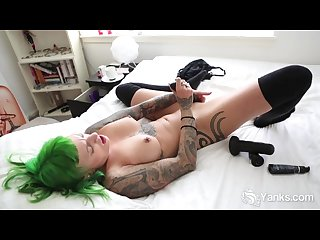 pierced lola toying her pussy