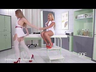 Enfermera sexy Lesbianas