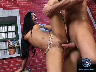 Exotic beauty valentina velasquez getting her cherry popped big time