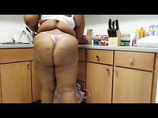 Bbw cleaning lady ms fountain caught half naked walking thru house n thong