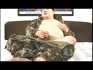 Japanese veteran chubby daddy jerking off