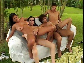 4 bi 4 scene 2