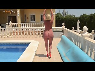 mankymischief naked walk Poolside Hd