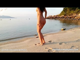 Hot babe sexy nude dance on the beach