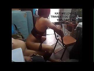 pajero se masturba sobre la cola de kati melendez luego de que esta perra le da unos ricos sentones