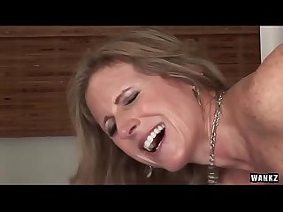 Wankz cougar jade jamison loves her warm facial