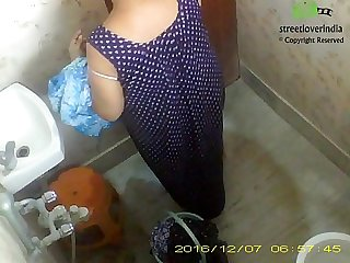 Indian Bengali aunt Rina Full Bath video captured on hidden cam