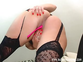 Camslut missystylez1 showing het big tits on cam