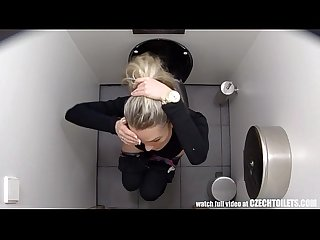 Must watch what girls do in the bathroom