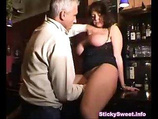 Hugetits Bar