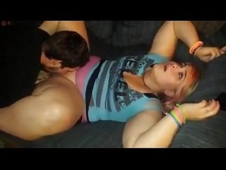 Guy eats out a fat amateur girl