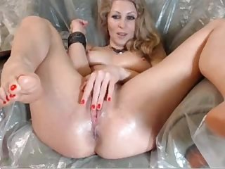 Blonde webcam beauty puts on creamy show hotwebcam69 com