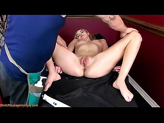 Cute blonde get erotic massage and happy ending