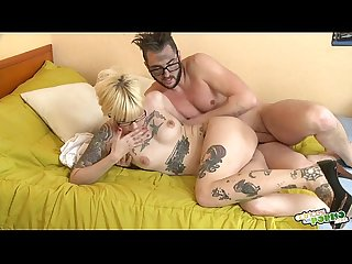 Lina hace campana - Gorgeous blonde and the vicious teacher