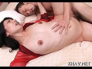 Fat pussy slut sucks big one-eyed monster