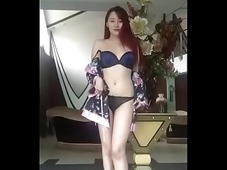 Sexy Asian Model Showing Off - http://zo.ee/kJNR