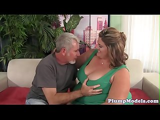 deepthroating SSBBW obtient doggystyled