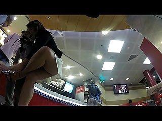 levanta la pierna y se le ve las nalgas bajalo en pdi2.net/j6