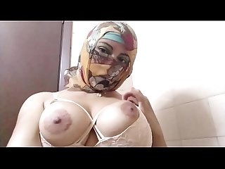 Real Arab In Niqab Hijab Mom Dildo Pussy Squirting, TitJob And Then Masturbating Her Muslim..