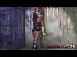 Huxly smashes supergirl saharra huxly pixie vonbat