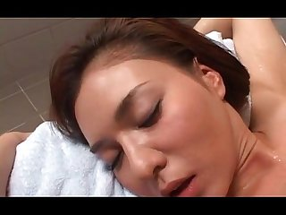 Superb Asian babe gifted with cunt licking and fingering after bath