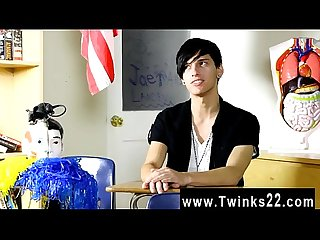 Emo gay xxx 3gp free video download Poor Jae Landen says he's never
