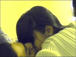 Desi north indian gf long kiss and sex