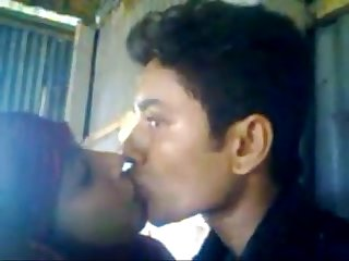 Desi hindu boyfriend fucks a muslim girlfriend