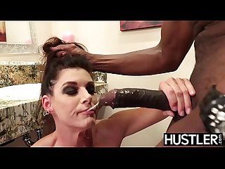 Fabulous India Summers squirts after chomping down on BBC