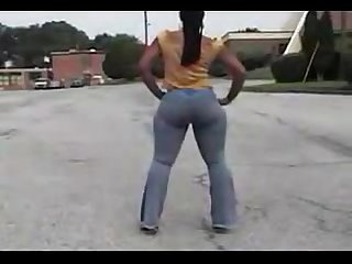 Biggest Applebottom Walking Booty Bouncing